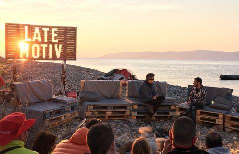 Sky, Sunset, Crowd, Vacation, Sitting, Evening, Tourism, Sea, Event, Horizon,