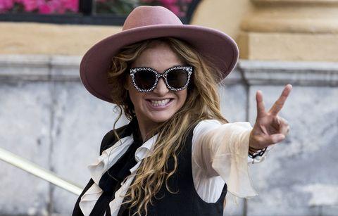 Eyewear, Sunglasses, Cool, Street fashion, Clothing, Hat, Glasses, Lip, Beauty, Sun hat,