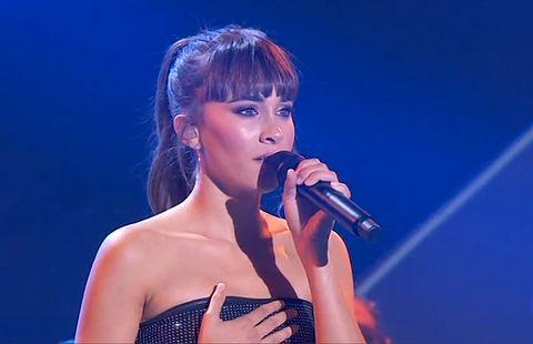 Singer, Performance, Entertainment, Music artist, Singing, Microphone, Performing arts, Lip, Pop music, Song,