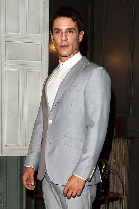 Suit, Clothing, Formal wear, Tuxedo, Outerwear, Blazer, Dress shirt, White-collar worker, Button,