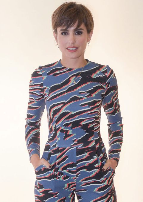 Blue, Sleeve, Shoulder, Joint, Style, Bangs, Electric blue, Pattern, Waist, Fashion,