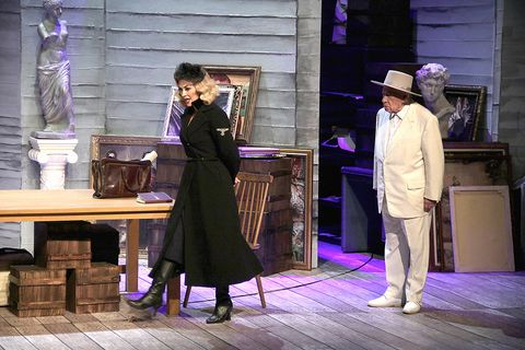 Hat, Purple, Sun hat, Drama, Acting, Wood flooring, Fedora, Vintage clothing, Scene, heater,