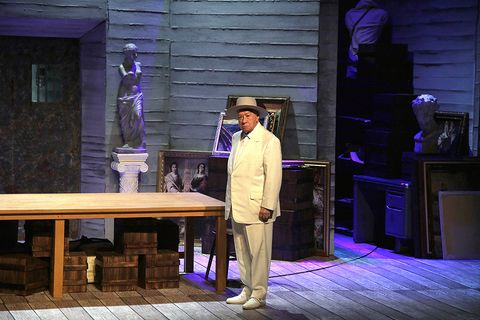 Purple, Suit trousers, Stage, Bench, Drama, Acting, heater, Scene, Stool, Lumber,