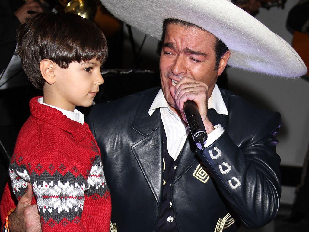Pablo Montero interpretará a Carlos Gardel junto a su hijo 7ef25e4aef8