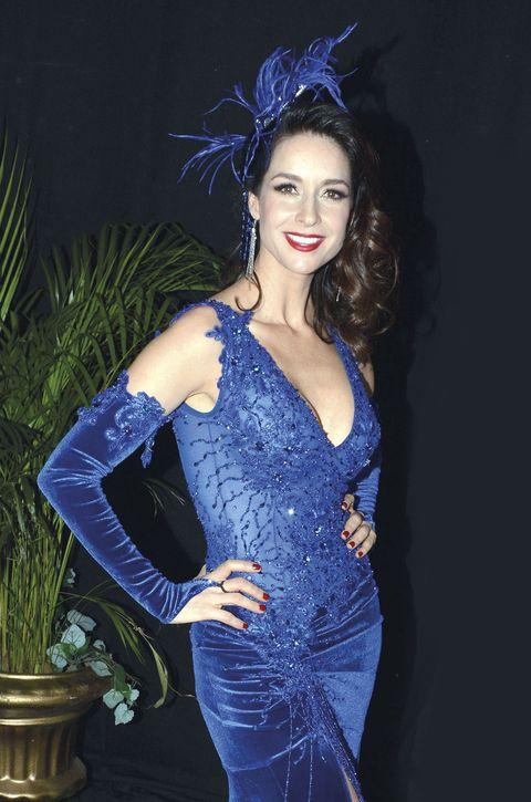 Blue, Flowerpot, Style, Dress, Electric blue, Costume accessory, Fashion, Cobalt blue, Hair accessory, Waist,