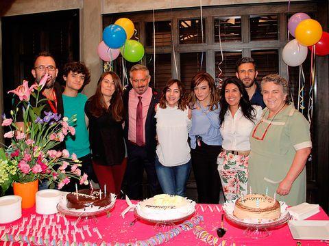 Flowerpot, Party supply, Balloon, Event, Cake, Cuisine, Serveware, Dessert, Party, Food,