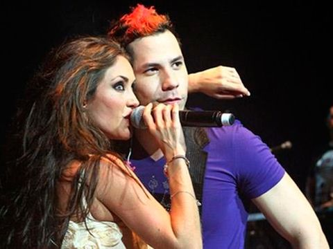 Singer, Performance, Singing, Music artist, Event, Lip, Pop music, Music, Fun, Song,