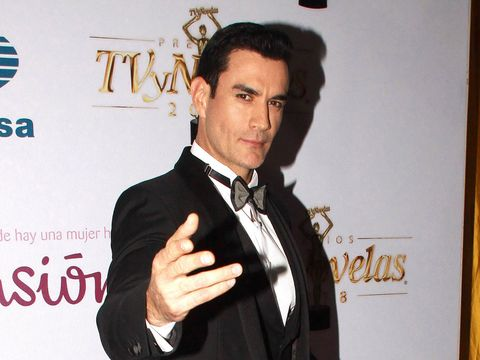 Suit, Tuxedo, White-collar worker, Formal wear, Premiere,