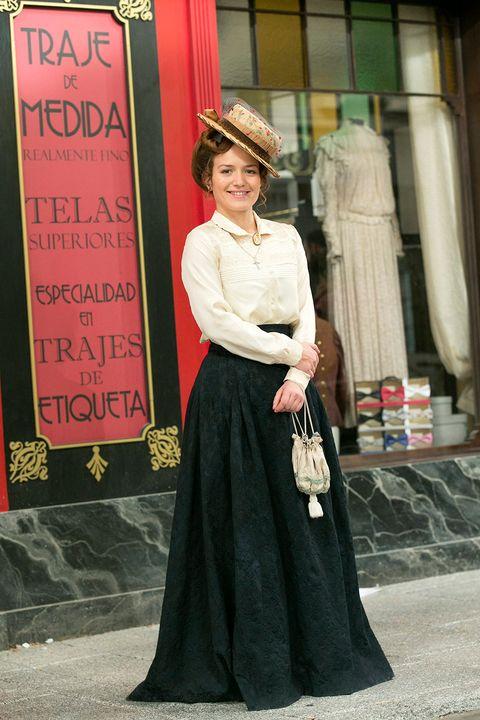 Sleeve, Dress, Fashion accessory, Style, Formal wear, Hat, Street fashion, Headgear, Gown, Vintage clothing,