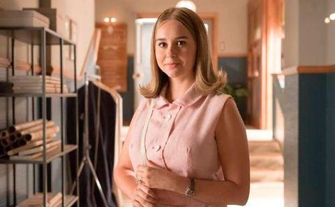 Shoulder, Product, Room, Blond, Interior design, Suit, Brown hair, Outerwear, Neck, Dress,