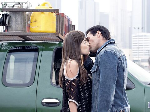 Vehicle door, Automotive exterior, Kiss, Interaction, Romance, Love, Honeymoon, Travel, Conversation, Light commercial vehicle,
