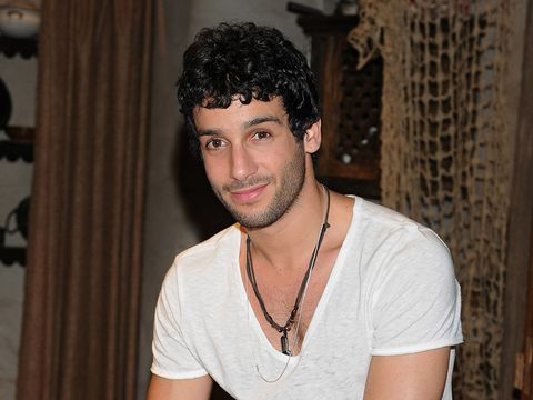 Chin, Shoulder, Jewellery, Facial hair, T-shirt, Black hair, Jaw, Neck, Chest, Cool,