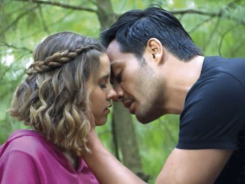 People in nature, Romance, Love, Forehead, Interaction, Kiss, Gesture, Photography, Happy, Scene,