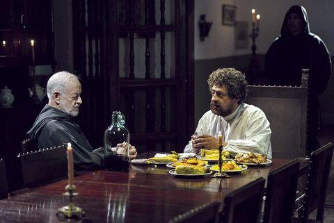 Table, Sitting, Tableware, Glass, Sharing, Serveware, Drink, Drinkware, Conversation, Barware,
