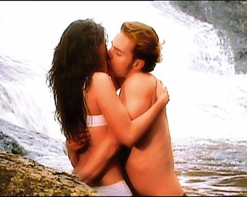 Romance, Love, Interaction, Photography, Fun, Long hair, Vacation, Kiss, Gesture, Black hair,