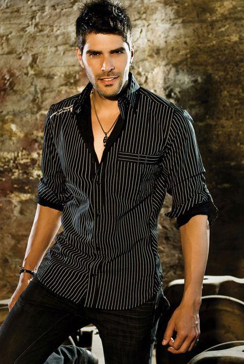 Clothing, Sleeve, Collar, Human body, Dress shirt, Trousers, Shirt, Denim, Style, Black hair,