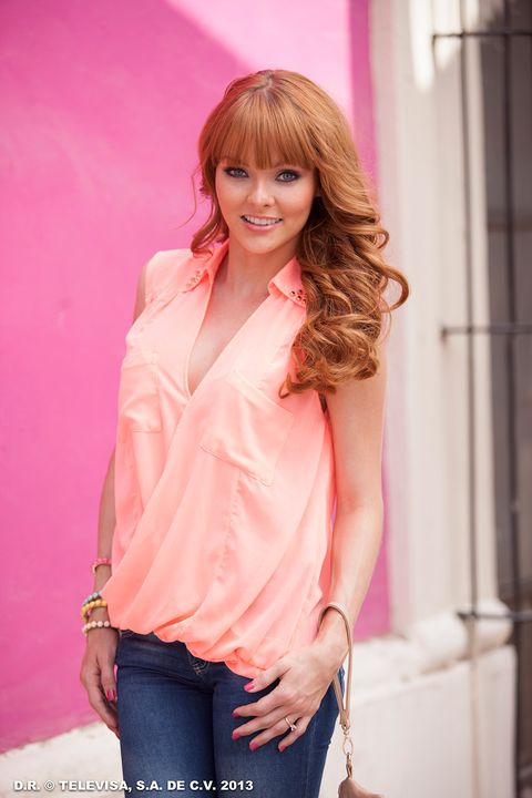 Clothing, Hair, Pink, Beauty, Shoulder, Fashion, Model, Blouse, Blond, Sleeve,