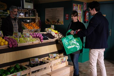 Whole food, Natural foods, Local food, Grocery store, Greengrocer, Selling, Market, Grocer, Vegetable, Food,