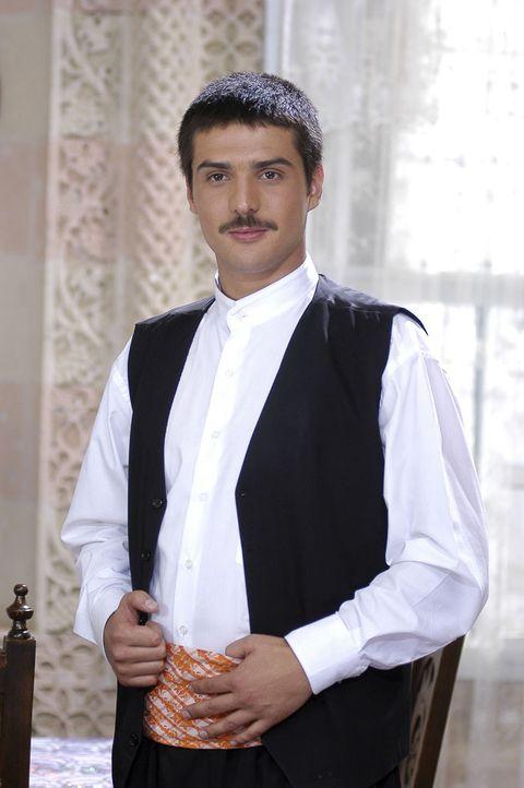 Suit, White, Formal wear, Tuxedo, White-collar worker, Outerwear, Blazer,