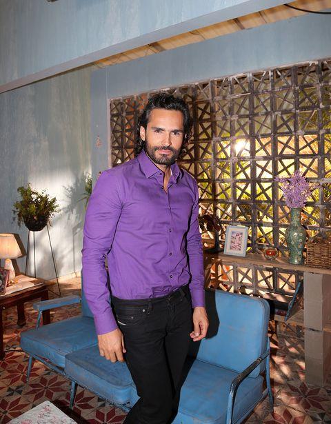 Blue, Dress shirt, Shirt, Textile, Purple, Flowerpot, Collar, Majorelle blue, Interior design, Denim,