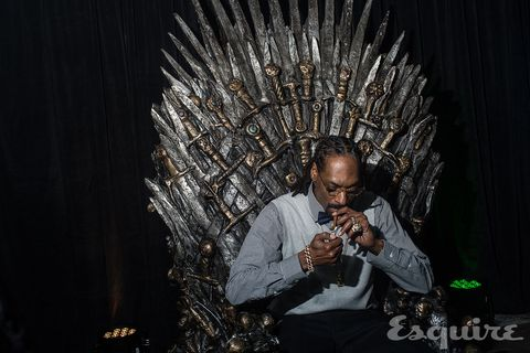 Here's Snoop Dogg Smoking a Blunt on the Game of Thrones Throne