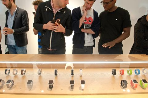 Experts Say the Apple Watch Is Doomed to Fail