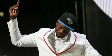 Cap, Headgear, Gesture, Performance art, Glove, Celebrating, Costume hat, Orator,