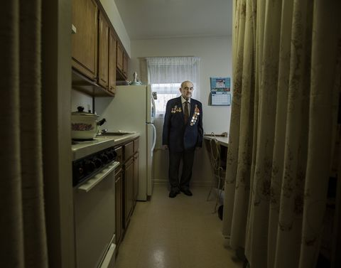 15 Stunning Portraits of WWII Vets in Their Own Homes