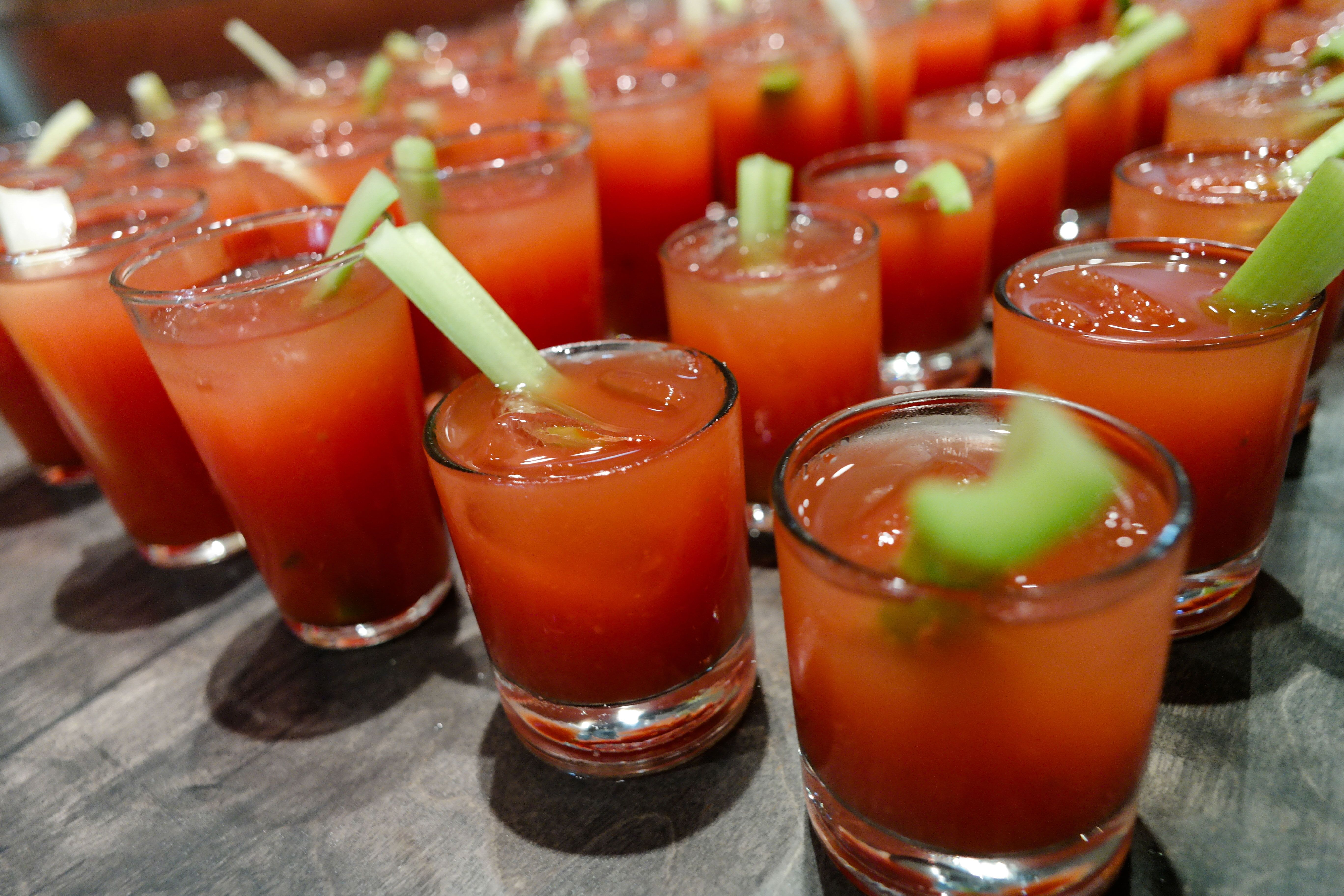 pics How to Make a Classic Bloody Mary Cocktail