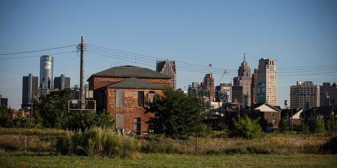 Tower block, Neighbourhood, Residential area, Urban area, Metropolitan area, Building, Real estate, City, Land lot, Condominium,