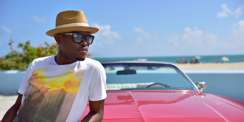 Eyewear, Glasses, Vision care, Hat, Automotive design, Sunglasses, Shirt, Hood, T-shirt, Summer,
