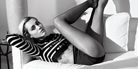 Human leg, Comfort, Room, Elbow, Knee, Thigh, Black hair, Model, Flash photography, Photography,