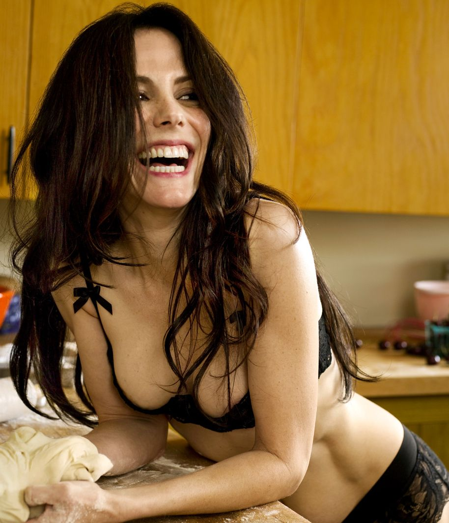 Showing Images For Mary Louise Parker Gif Xxx