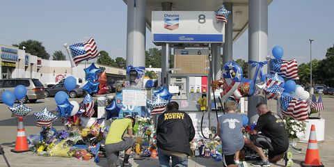 Texas cop killed gas station