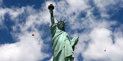 Sky, Daytime, Cloud, Sculpture, Landmark, Art, Monument, Statue, National monument, Meteorological phenomenon,