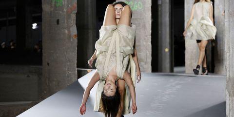 Leg, Human body, Human leg, Shoulder, Hand, Joint, Knee, Fashion model, Dress, Fashion,