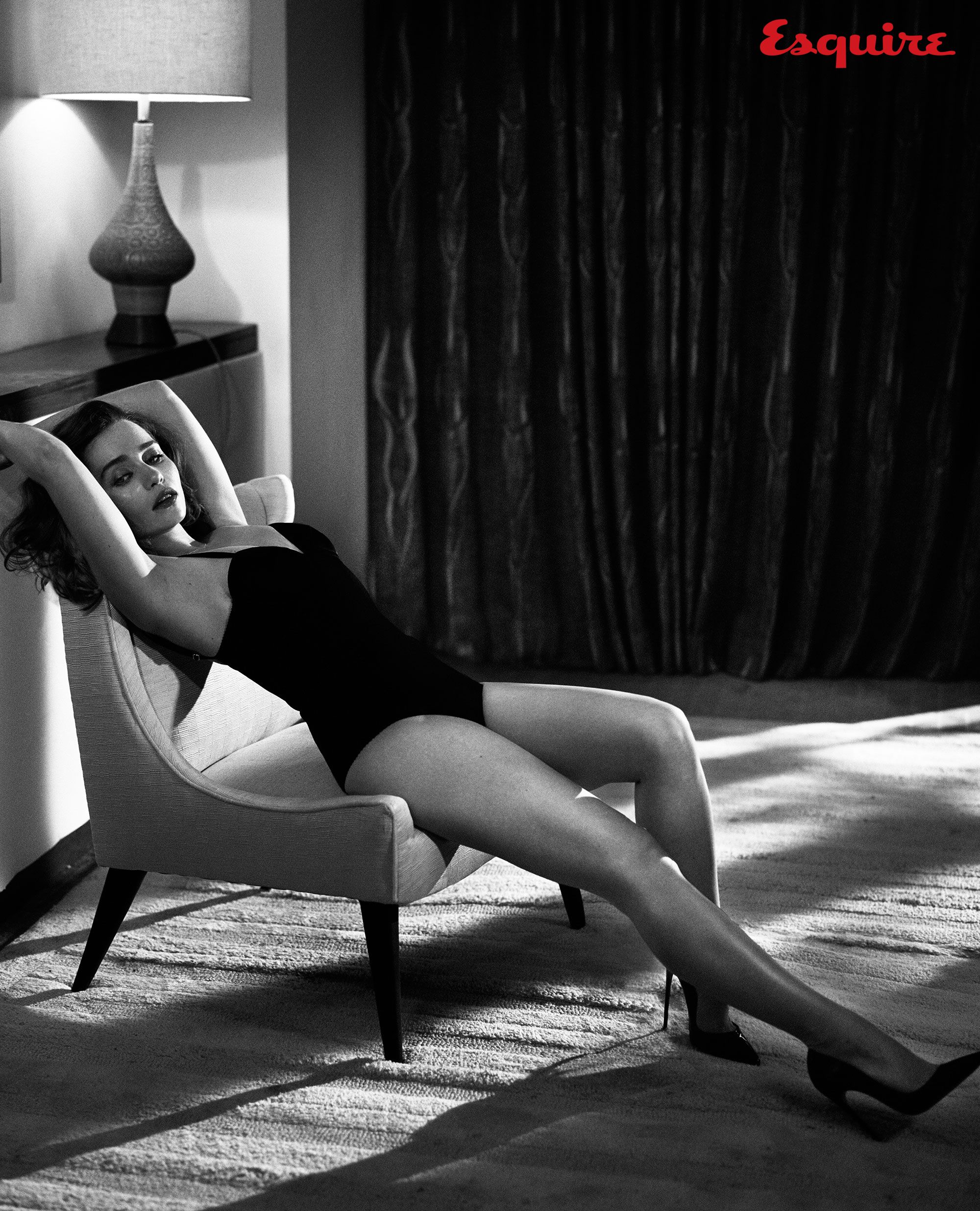 Nude Rihanna in the magazine Esquire 06/01/2012