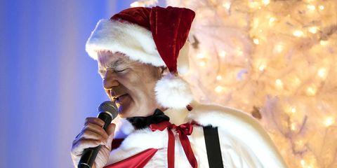 Murray Christmas.Bill Murray S Christmas Special A Very Murray Christmas Review