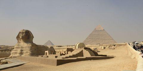 Natural environment, Sand, Landscape, Pyramid, Ancient history, Landmark, History, Monument, Aeolian landform, Geology,