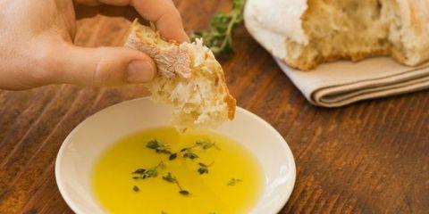 Finger, Food, Cuisine, Dishware, Ingredient, Dish, Serveware, Tableware, Finger food, Plate,