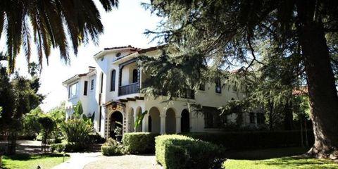 Plant, Window, Property, Residential area, Neighbourhood, House, Real estate, Facade, Home, Shrub,