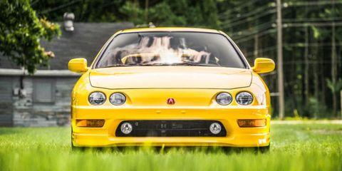 Nature, Automotive design, Mode of transport, Vehicle, Yellow, Transport, Automotive lighting, Headlamp, Hood, Car,