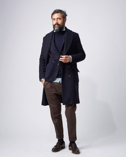 Sleeve, Collar, Human body, Trousers, Shoulder, Coat, Textile, Standing, Joint, Outerwear,