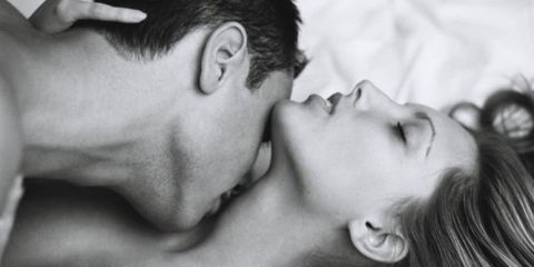 Ear, Lip, Cheek, Skin, Forehead, Kiss, Mammal, Facial expression, Style, Jaw,