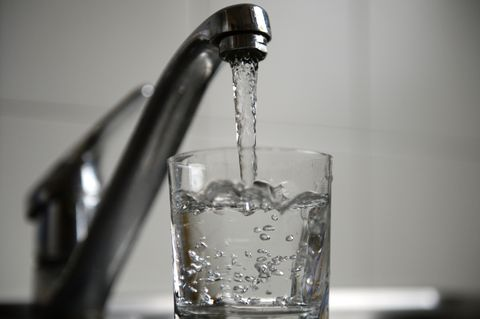 6 Things That Happen When You Don't Drink Enough Water