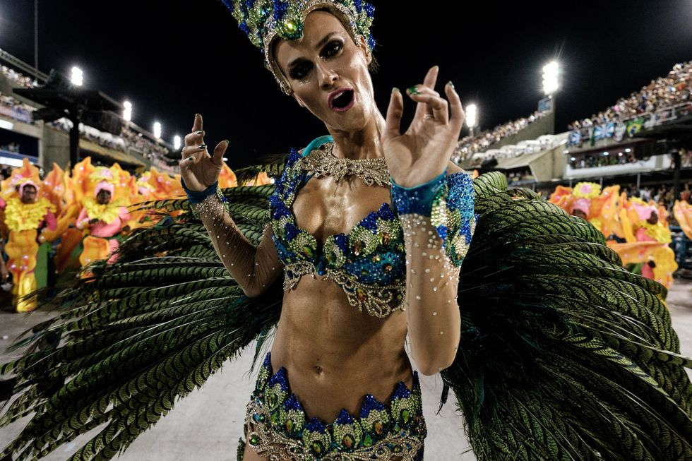 25 Striking and Sexy Photos From Carnival