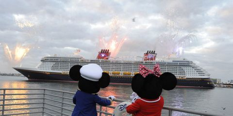 Hat, Waterway, Cruise ship, Passenger ship, Ocean liner, Watercraft, Naval architecture, Headgear, Tourism, Atmospheric phenomenon,