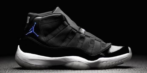 Footwear, Product, Shoe, White, Style, Light, Carmine, Logo, Athletic shoe, Fashion,