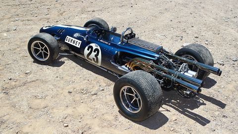 Tire, Wheel, Automotive design, Automotive tire, Open-wheel car, Automotive wheel system, Sand, Car, Motorsport, Rim,