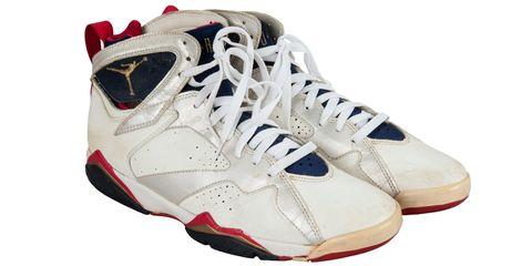 Footwear, Product, Shoe, Sportswear, White, Athletic shoe, Red, Style, Sneakers, Light,